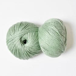 creadoodle linen flame 2 mm 175 meter 200 grams 6-ply in sunday morning